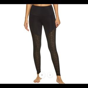 Onzie Fierce Yoga leggings